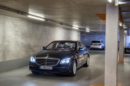Este aparcamiento automatizado de Bosch y Daimler ya puede funcionar sin conductores ni supervisión humana