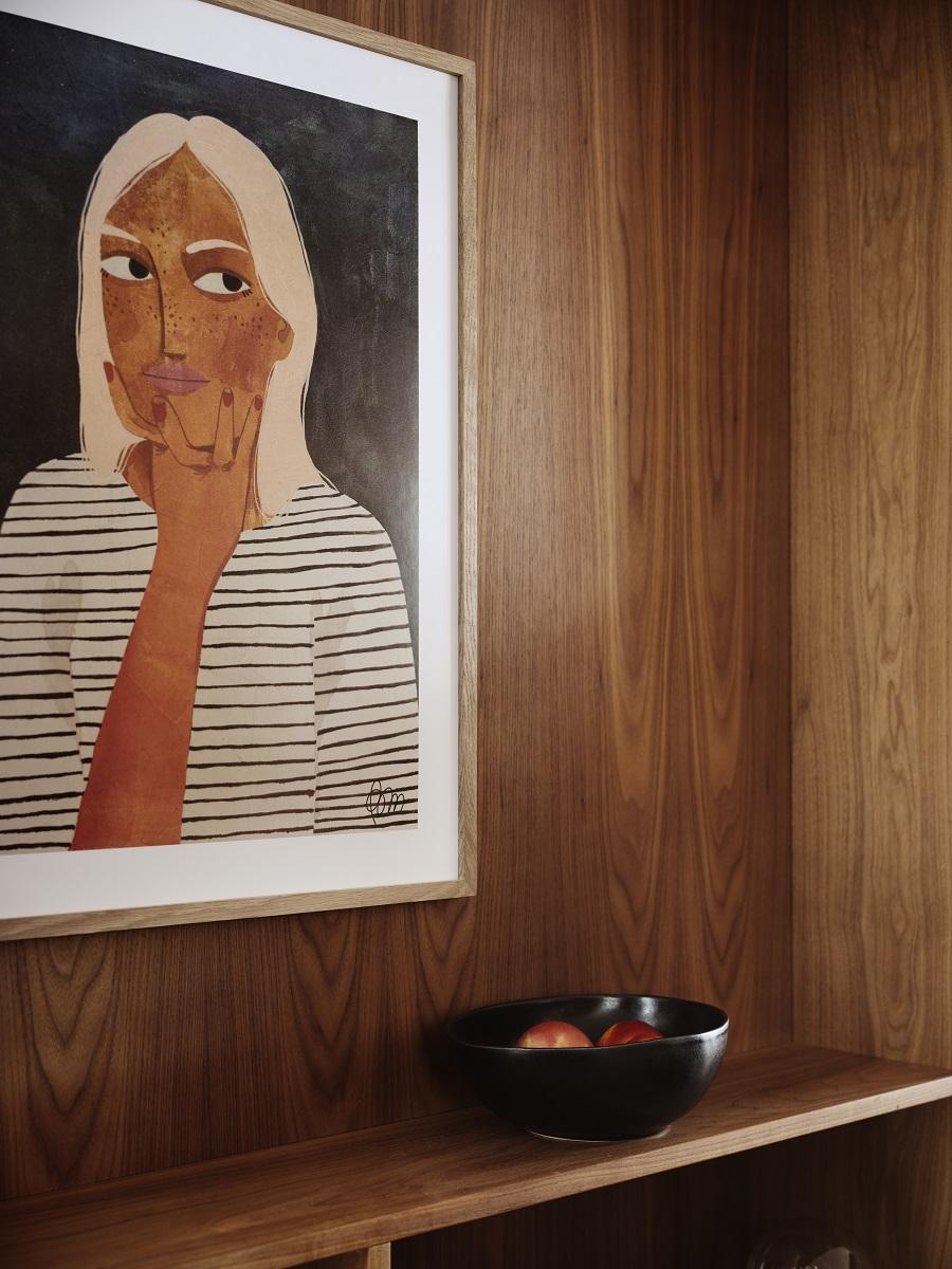 Póster con ilustración de mujer