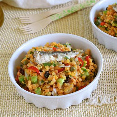 Ensalada de lentejas rojas con sardinillas: receta para comer bien y saludable en menos de 30 minutos