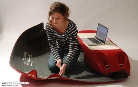 Mini oficina portátil hecha con hilo y tela