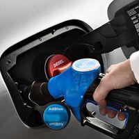 Salvar tu viejo coche diésel instalando un sistema SCR con AdBlue cuesta 3.000 euros, y en Alemania ya lo hacen