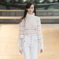 Clonados y pillados: ¿el nuevo clon de Isabel Marant? La blusa de encaje más sexy de la temporada