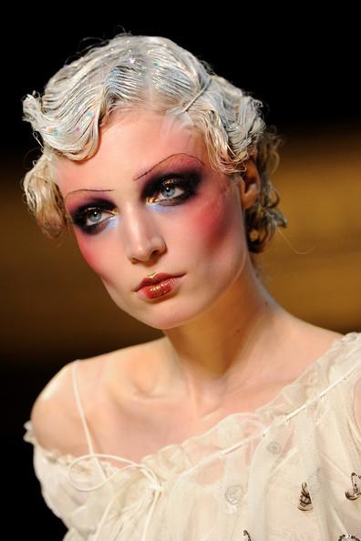 Foto de John Galliano Primavera-Verano 2011 en la Semana de la Moda de París (15/16)