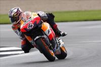 MotoGP, todos al suelo y primera victoria de Dovizioso