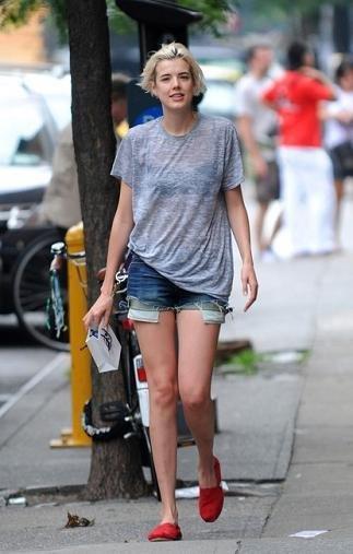 Las celebrities foráneas de momento se atreven con la forma (en la foto, Olivia Wilde).