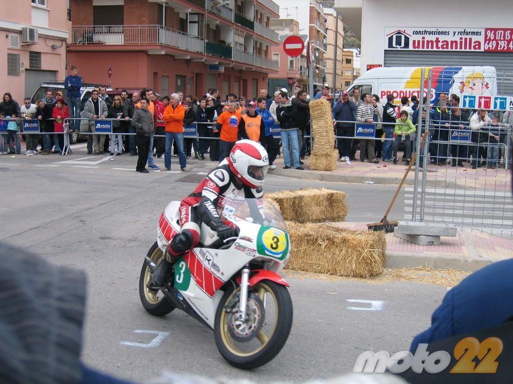Foto de Motos clásicas en Cullera, la crónica de unas carreras clásicas en circuito urbano (1/26)