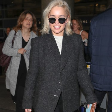 El look working girl de Emilia Clarke que todos guardaremos para inspirarnos este invierno