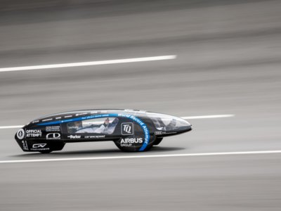 Con lo equivalente a un litro de gasolina este coche eléctrico recorre 10.956 kilómetros