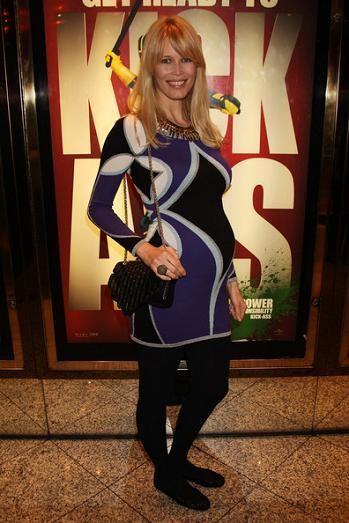 Ideas para adaptar tu estilo, de noche y de día, si estás embarazada. Por Claudia Schiffer y sus looks premamá