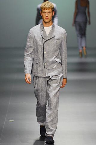 Foto de Adolfo Dominguez, Primavera-Verano 2010, en la Cibeles Fashion Week (6/11)