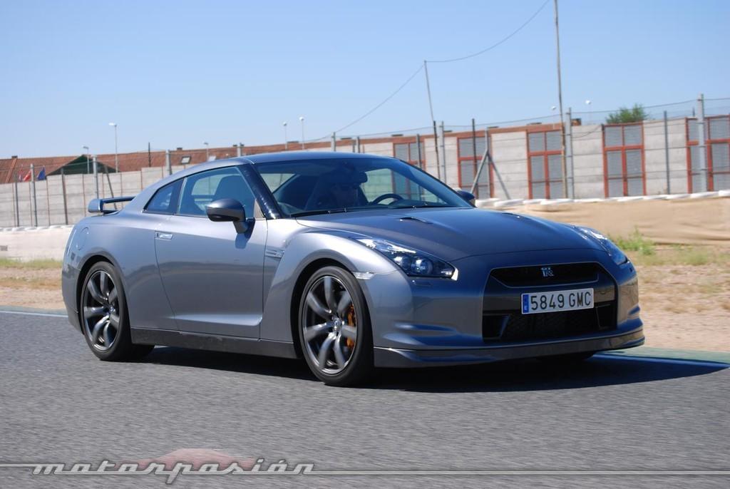 Foto de Nissan GT-R (prueba) (43/49)