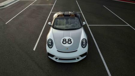 El último Porsche 911 Speedster ha recaudado un millón de dolares para luchar contra el coronavirus