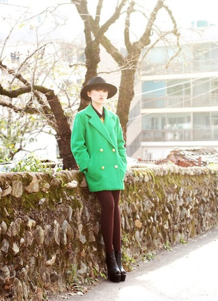 Verde abrigo Moda en la calle