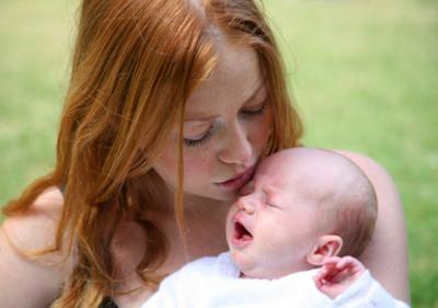 Los besuqueos a los bebés ajenos