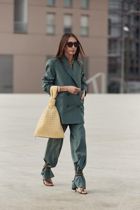 Street Style Sandalias Tobilleras Encima Pantalon 02