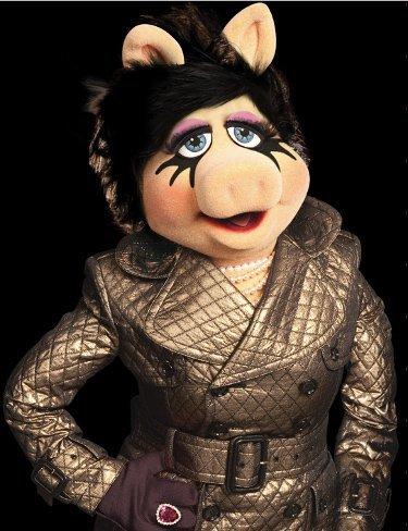 Miss Piggy inspira una mini-colección de MAC para el invierno