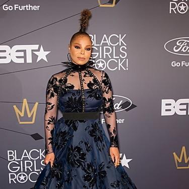 El incomprensible look de Janet Jackson en los Black Girl Rocks (menos mal que están Naomi Campbell y Ciara para salvar la noche)