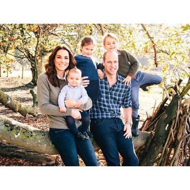 Kate Middleton se suma a la felicitacion navideña familiar y desenfadada como ya hizo Doña Letizia