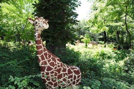 Animales hechos con piezas Lego en el zoológico del Bronx