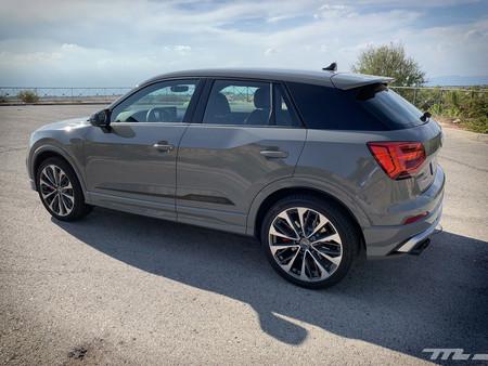Audi SQ2 lateral posterior