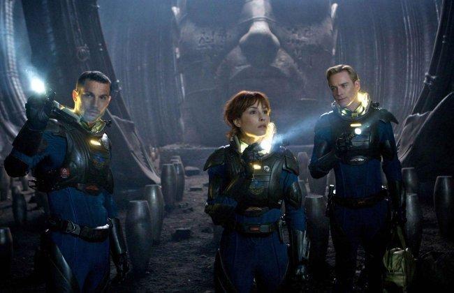 Logan Marshall-Green, Noomi Rapace y Michael Fassbender en una escena de la película