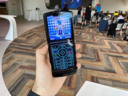 El Motorola Razr llega a España: precio y disponibilidad oficial del teléfono plegable