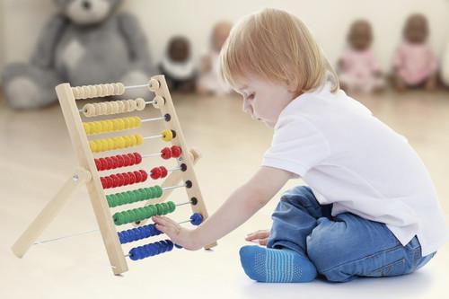 Siete actividades Montessori para hacer con niños en casa