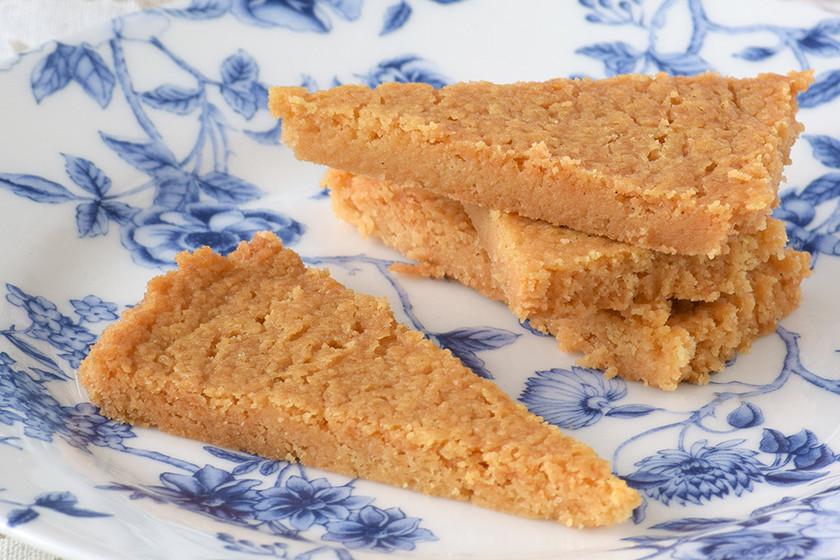 Galletas shortbread rápidas. Receta exprés de las deliciosas pastas escocesas