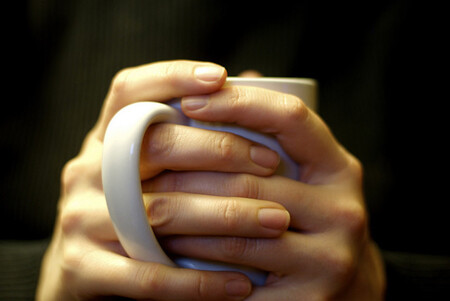 ¿Tienes las manos y pies fríos? Razones y cómo solucionarlo con una dieta saludable