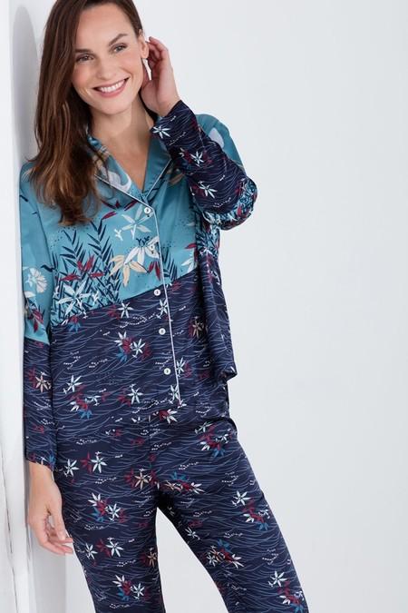Pijama con estampado oriental