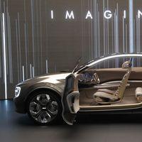 Imagine by Kia, el primer prototipo de coche eléctrico de cuatro puertas de Kia... ¡con 21 pantallas en su interior!