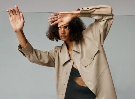 El nuevo lookbook de Zara se llena de poses imposibles y desternillantes. He aquí nuestra lectura (personal)