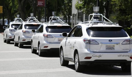 Google Auto, una filial para jugar con los coches