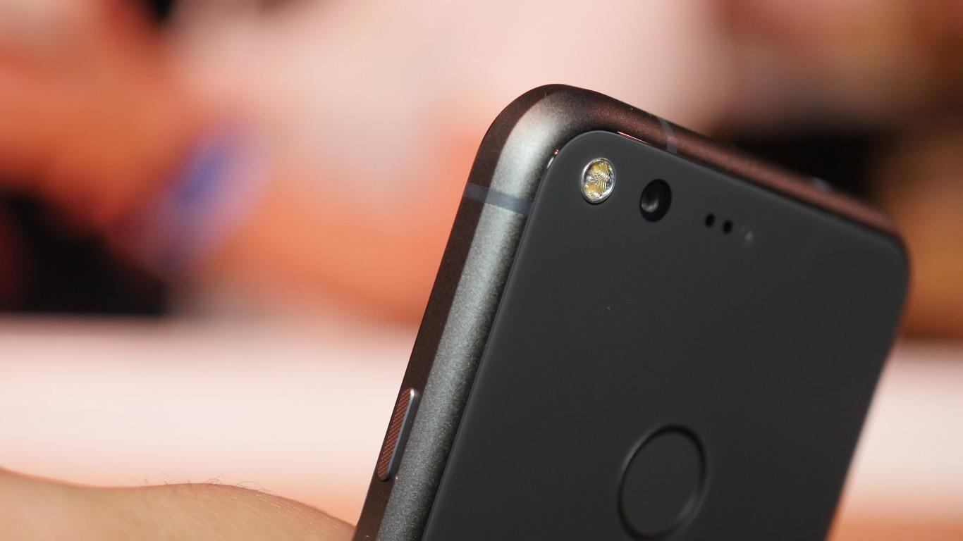 Aparecen los primeros vídeos 4K con estabilizador grabados con un Google Pixel