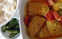 Pescado en salsa de leche de coco, tomate y curry. Receta Hindú