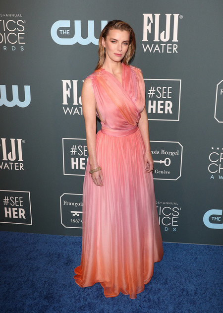 betty gilpin Critics Choice Awards 2020