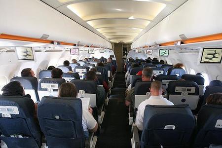 El dolor de cabeza durante el viaje en avión, un síntoma muy común