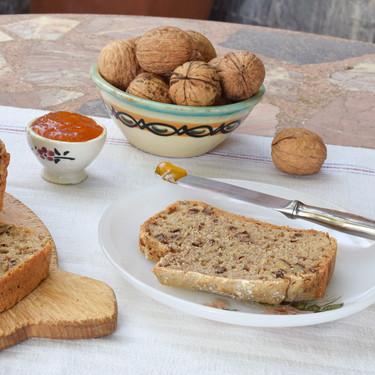 Pan rápido de cerveza y nueces: receta exprés lista en una hora
