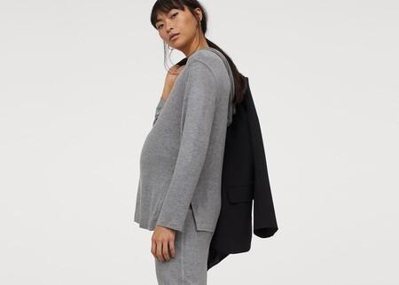 Estas 11 prendas premamá de H&M son tan calentitas y cómodas que ninguna embarazada querrá quedarse en pijama