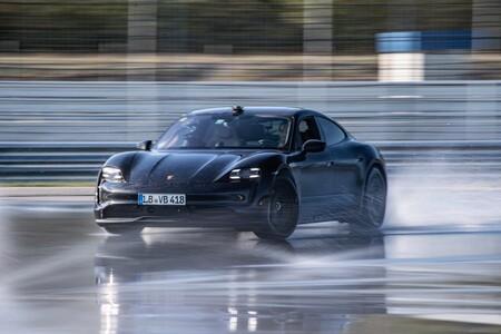 Porsche Taycan Logra Un Record De Drift Con 42 Km