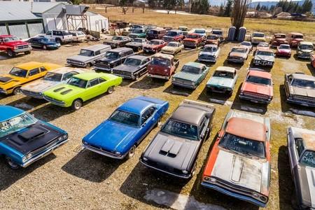 Se vende propiedad en Canadá por un millón de dólares. Incluye colección de más de 340 coches clásicos