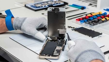 La Unión Europea prepara un plan de 'derecho a reparar' para móviles y tablets que llegará en 2021