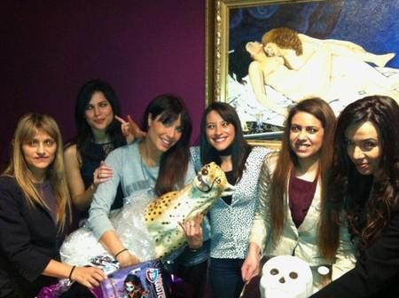 Fiesta de cumple sorpresa para Pilar Rubio... ¡vaya regalitos!