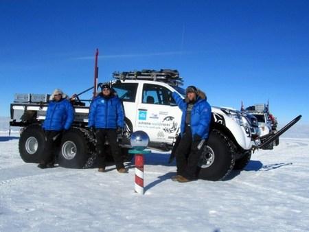 Artic Trucks prepara un par de Toyota Hilux 6x6 para recorrer la Antártida