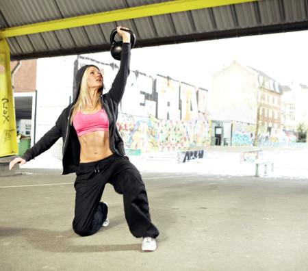 69 ejercicios con kettlebells para montar tus rutinas de entrenamiento