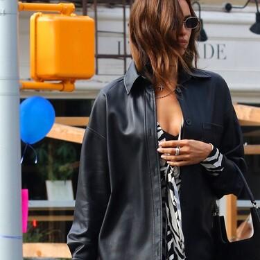 Cuatro sobrecamisas de cuero low-cost con las que sentirte como Irina Shayk por las calles de Nueva York