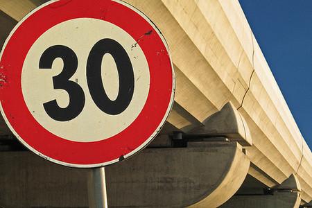 Increíble pero cierto, tráfico quiere un límite de 30 km/h en el 80% de las calles