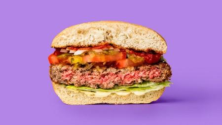 Las hamburguesas sin carne (y sangrantes) están cerca: Bill Gates apuesta 75 millones de dólares en el negocio