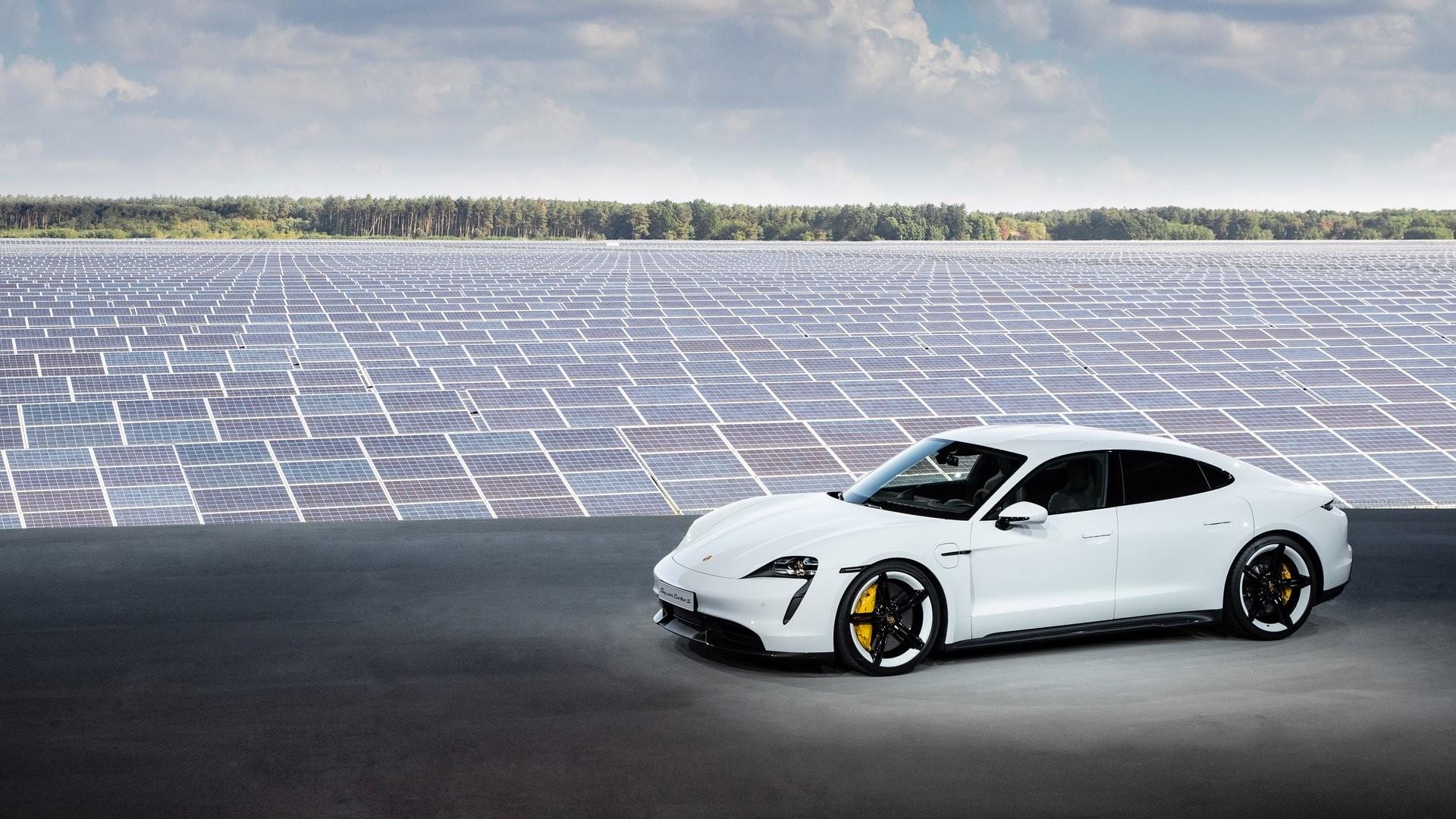 Foto de Porsche Taycan (7/29)