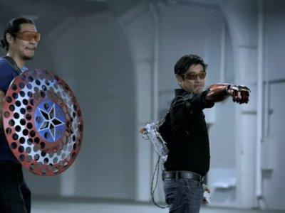 Así lucen el guante de Iron Man y el escudo de Capitán América en la vida real